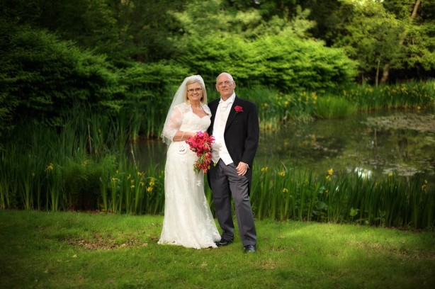 Tylney Hall Hotel Wedding – Ann & Stewart After a very dreary morning I arrived at Tylney Hall for the wedding of Anna  & Stewart just before 2pm and was greeted… Read more